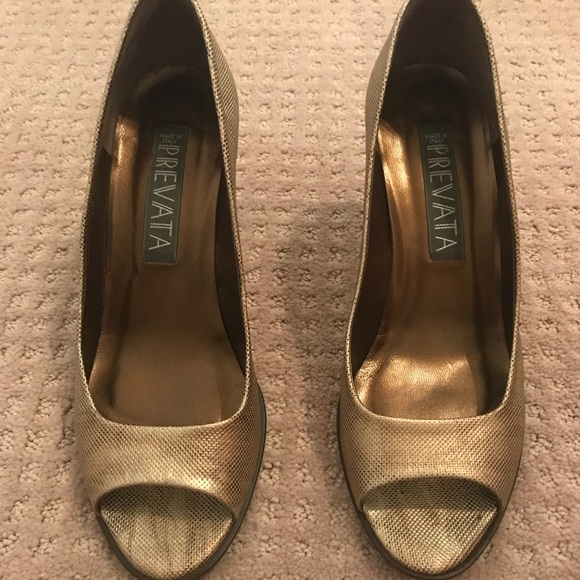 d0ae1737a48cf Used Prevata gold open toe heels size 7